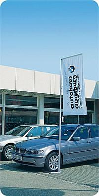 Galgenmastfahne Autohaus.jpg